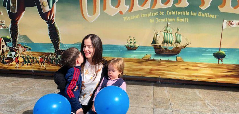 Premieră la Opera Comică pentru Copii. Doi copii (ai mei) și un maraton de spectacole.