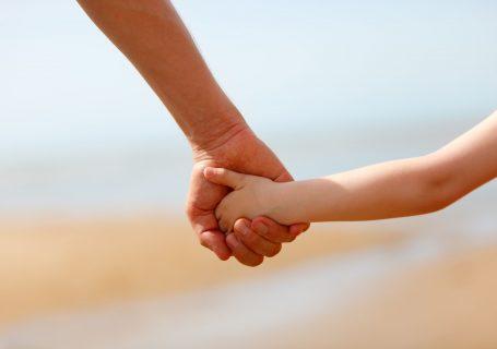Ultima lună din concediul pentru creșterea copilului este a tatălui. Acte pentru dosar și alte detalii.