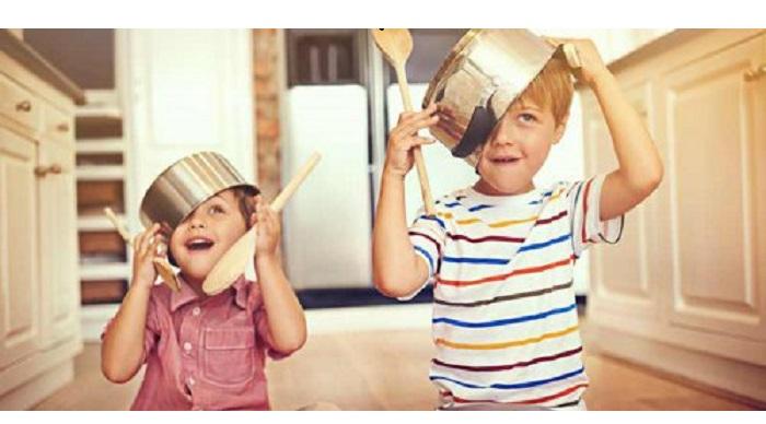 Vreți un copil mai ATENT! Oferiți-i ATENȚIE și cât mai multe experiențe plăcute!