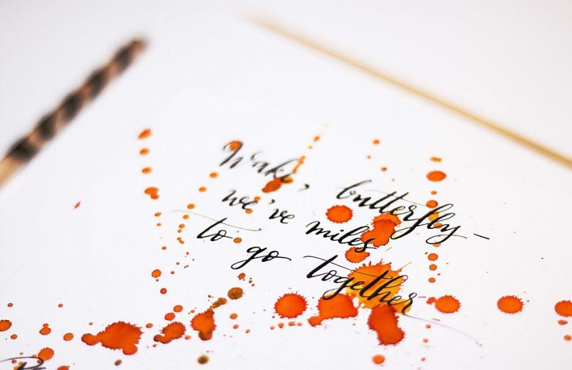 Voluptate, lentoare, frumusețe… într-un cuvânt, caligrafie! INTERVIU cu Isa, de la www.caligrafie.ro