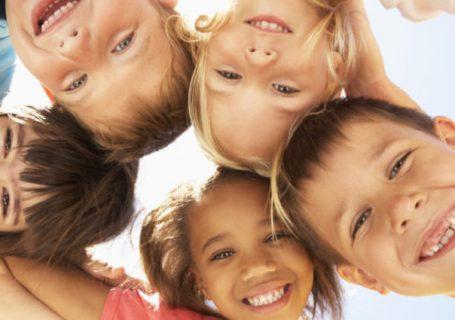 5 sfaturi de la dr. Andra Custură pentru pregătirea copilului înainte de fixarea aparatului dentar!