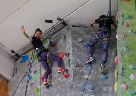 O sesiune extraordinară de escaladă powered by NIVEA MEN DEEP. DEPĂȘEȘTE-TE! TOTUL ÎNCEPE CU TINE.